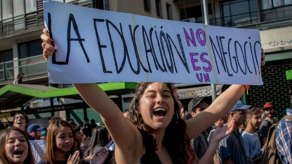 Protestas sobre reforma educativa en Santiago de Chile.