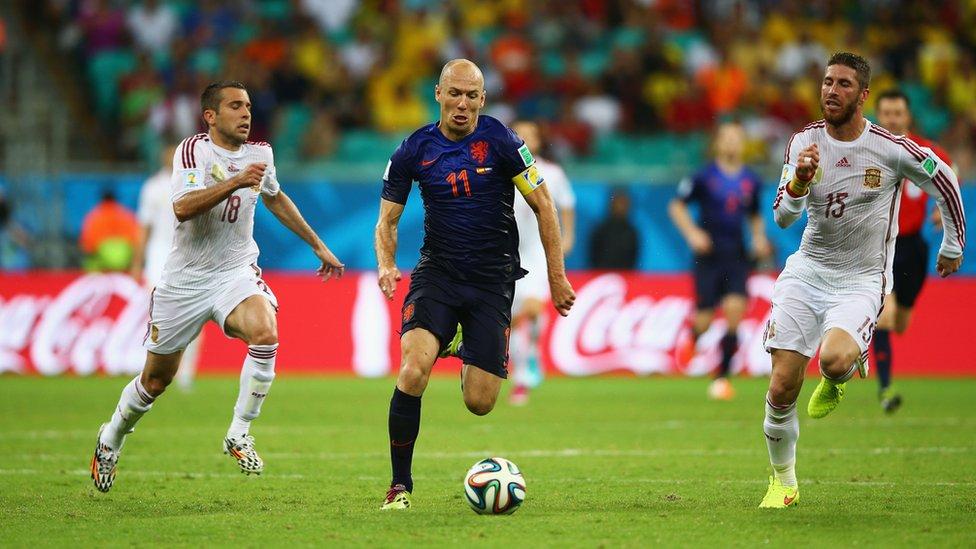 La velocidad de Robben fue una pesadilla para la defensa española en la segunda parte del partido jugado en Brasil.