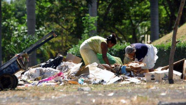 Simpatizantes del gobierno agreden a obispos y nuncio — Nicaragua