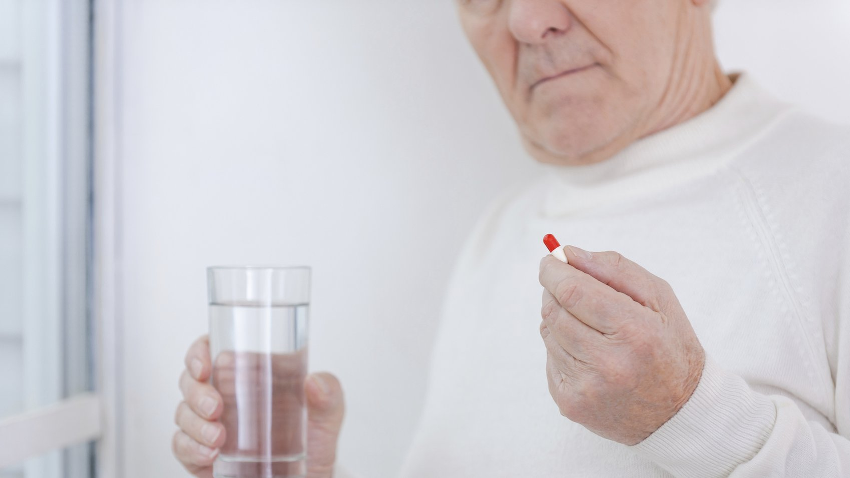 Common painkillers 'increase heart failure risk'