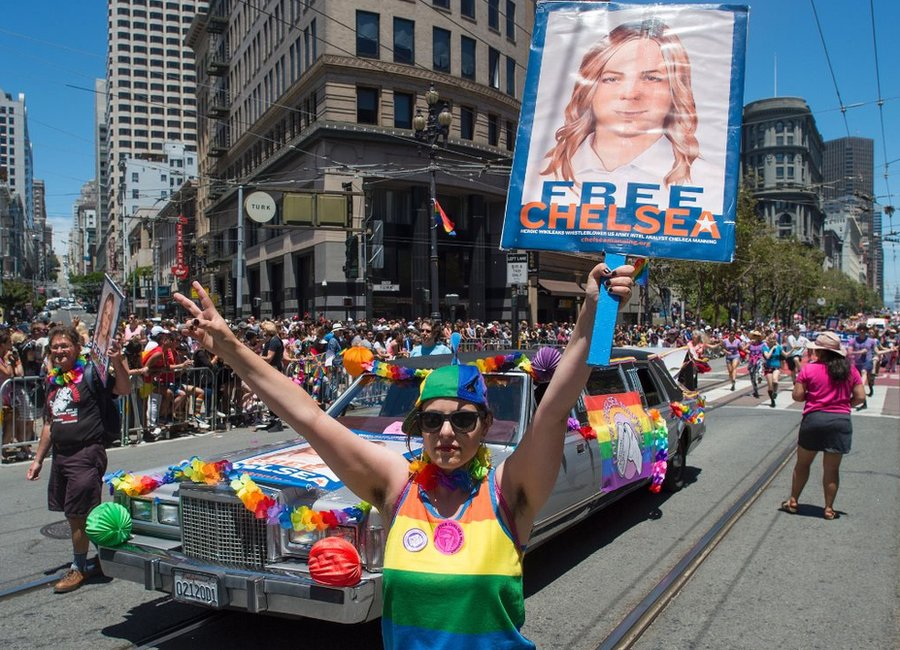Manifestación en 2016 por la liberación de Chelsea Manning.