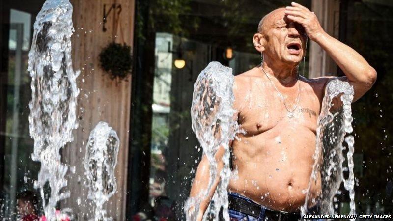उफ़! ये गर्मी.. कितनी गर्मी बर्दाश्त कर सकता है इंसान का शरीर - BBC News  हिंदी