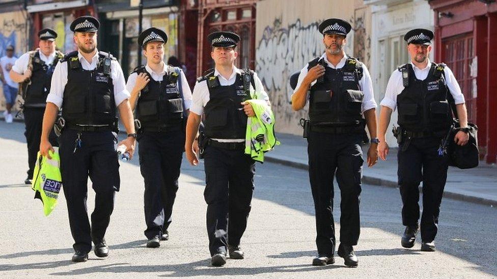 Harlesden street party of 500 people broken up by police