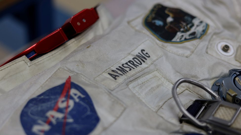 """Neil Armstrong""""s pressure suit that he wore to walk on the moon during the Apollo 11 mission on July 20, 1969 is seen at the Smithsonian""""s Air and Space Museum""""s Udvar-Hazy Center in Chantilly, Virginia, U.S"""