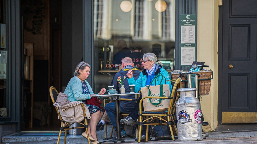 Cafe customers in Stirling