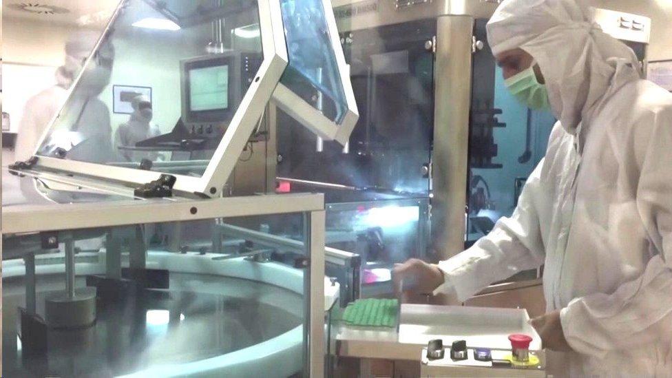 تمكنت شركة معهد مصل الهند من الحصول على 800 مليون دولار لإنتاج لقاحات متعددة لكوفيد - 19