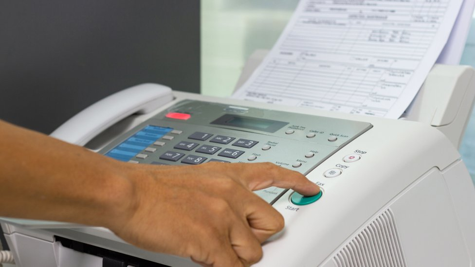 NHS told to ditch 'absurd' fax machines
