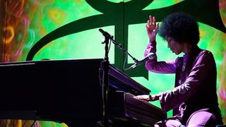 BBC News - 'It's Prince, thinking aloud on the piano'