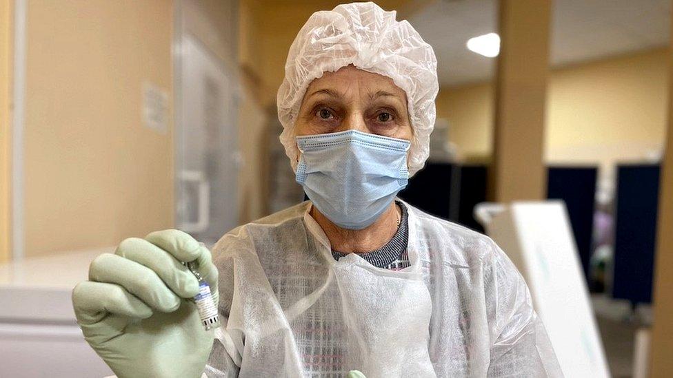 Korona virus i Rusija: Odbijanje vakcinacije odvelo zemlju u košmar