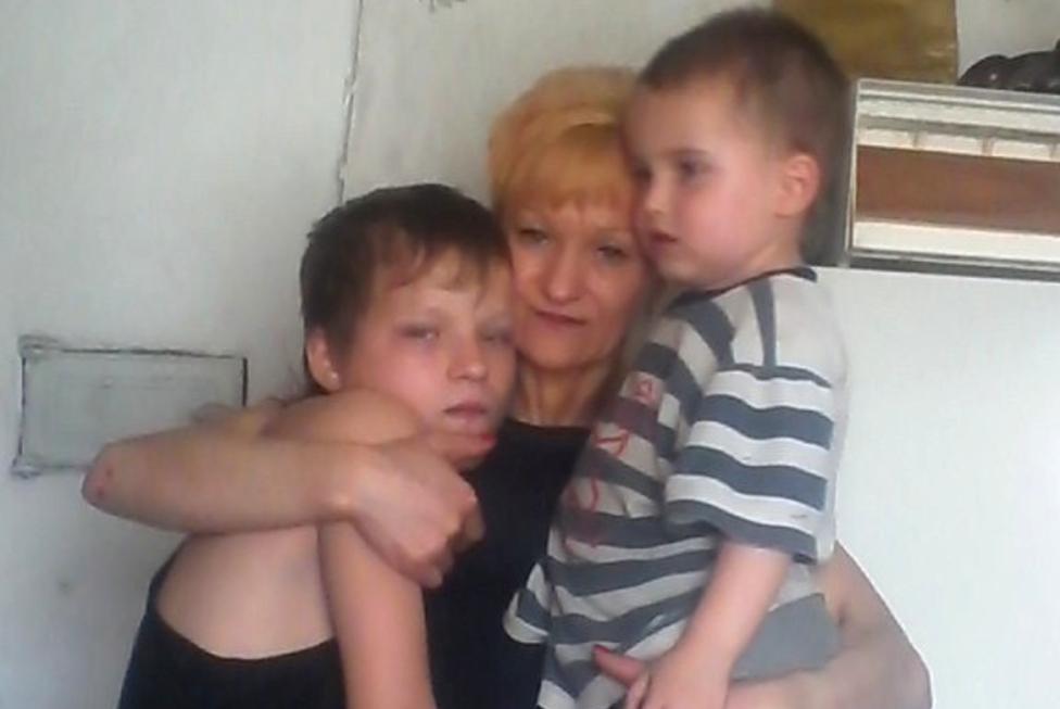 Natalya con Stanislaw (izquierda) y uno de sus nietos