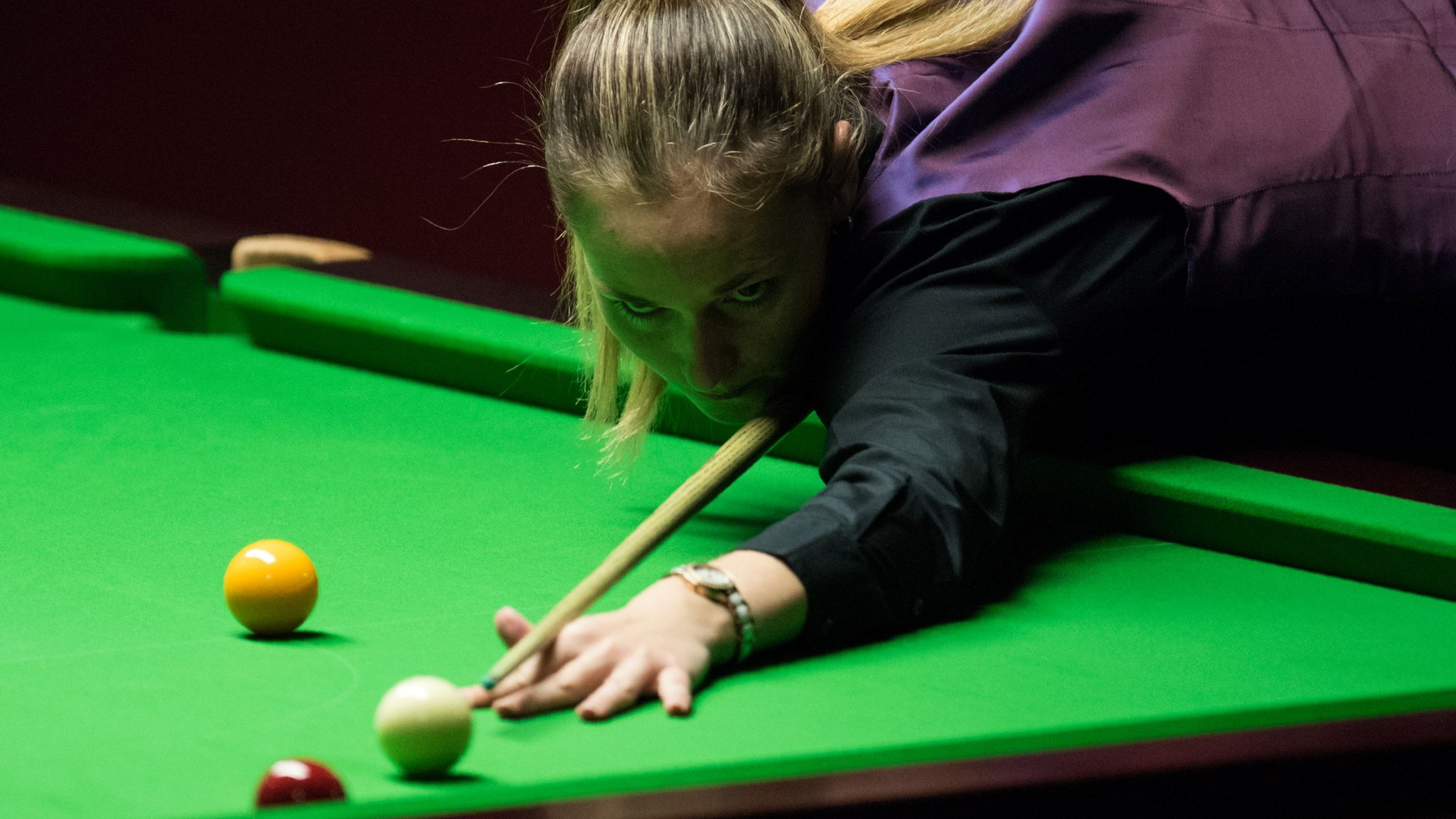 White beats 11-time women's world champion Evans at Snooker Shoot Out