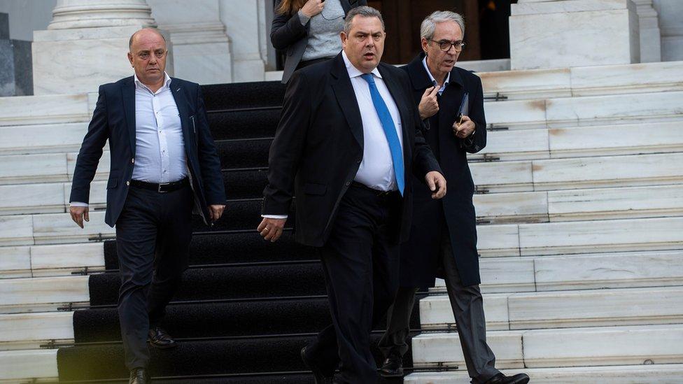 وزير الدفاع بانوس كامينوس