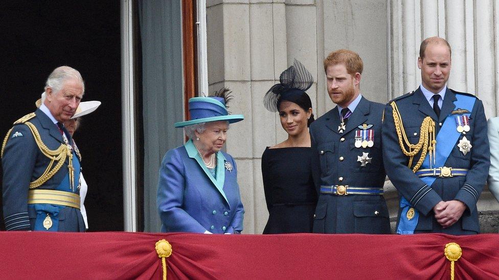 Princ od Velsa, Kraljica, vojvotkinja i vojvoda od Saseksa i vojvoda od Kembridža
