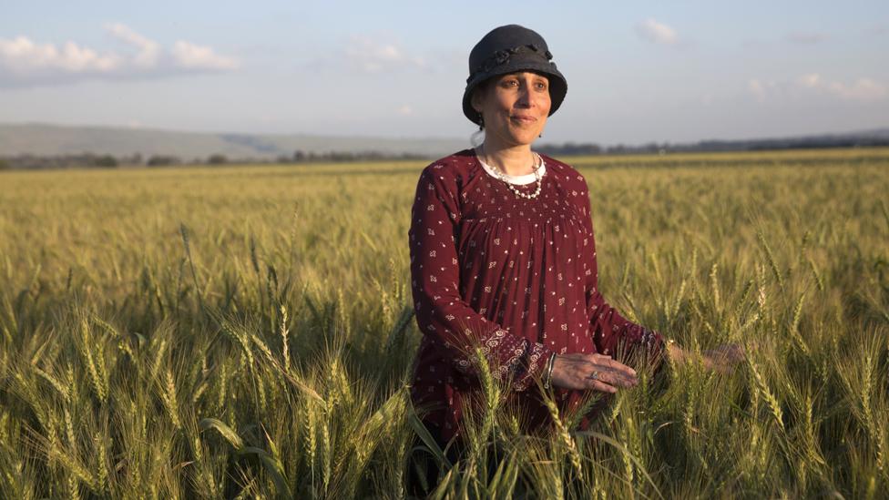 Shani Taragin en el valle de Hula, en Galilea en el norte de Israel (Photo de Heidi Levine para BBC).