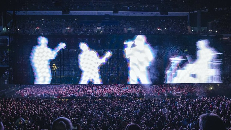 U2 talk technology and the Irish border