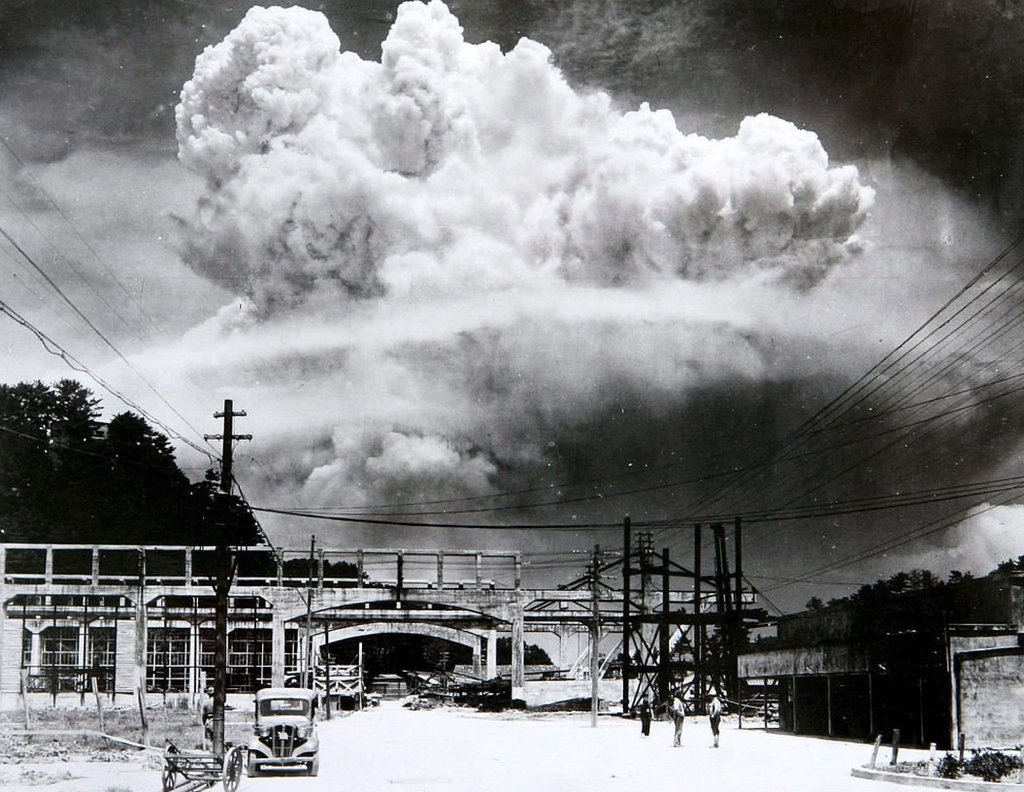 Picture of the explosion of a atomic bomb over Nagasaki on 9 August 1945