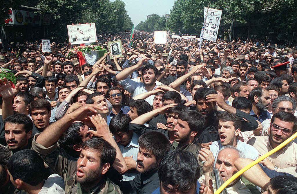 Manifestantes en Teherán en 1988