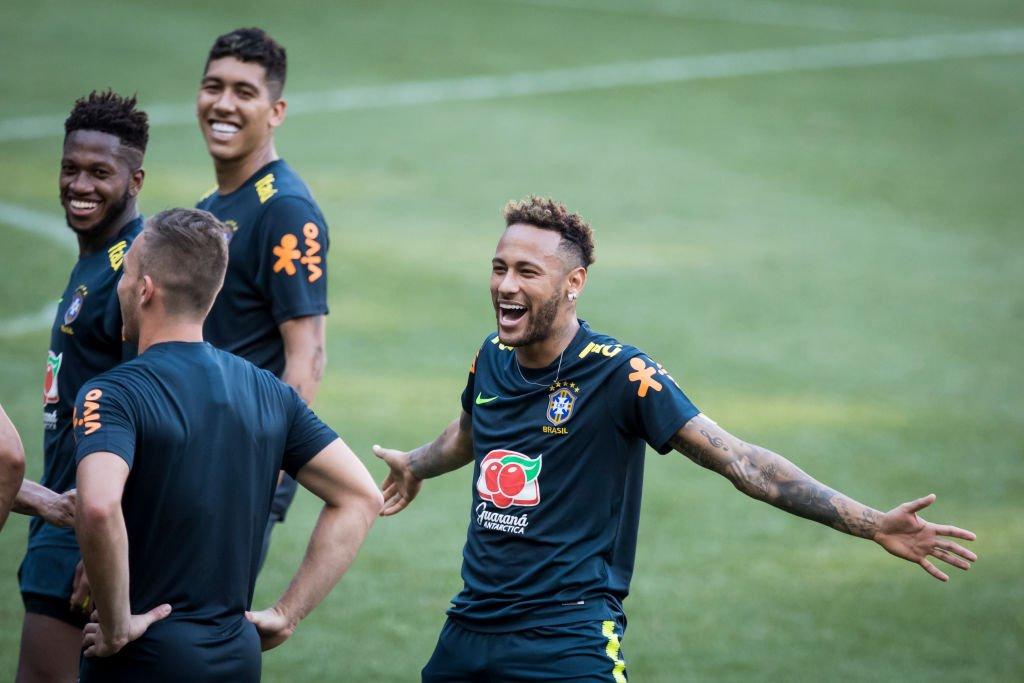 Neymar y jugadores de Brasil