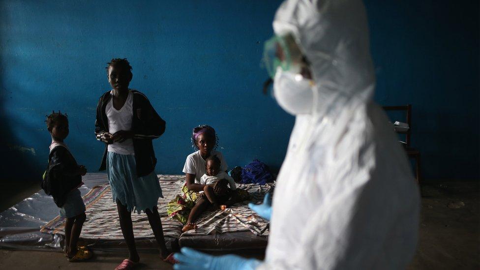 Familia en Liberia puesta en cuarentena.