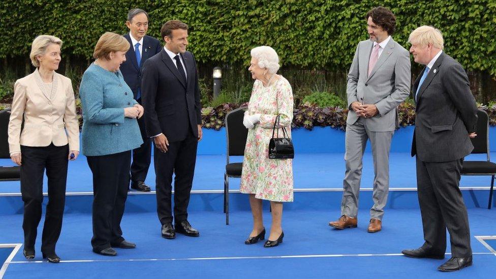 G7峰會開幕(6月11日)那天,英國女王伊麗莎白二世在伊甸園工程(Eden Project)歡迎參加峰會的各國領導人出席招待酒會