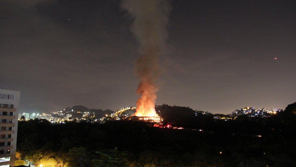 Incendio en el Museo Nacional de Brasil.