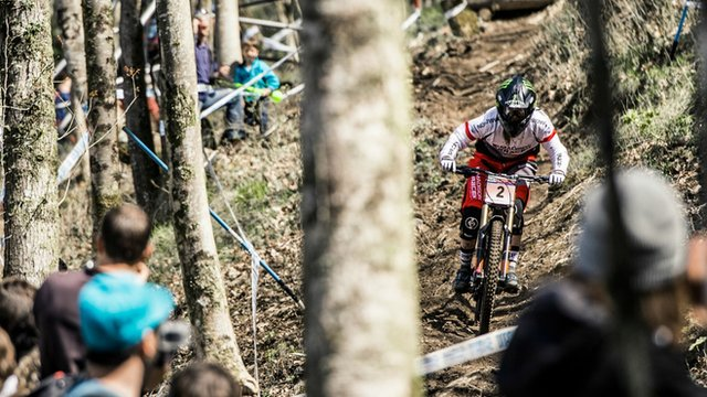 Manon Carpenter in the opening race of the UCI Downhill World Cup in Lourdes.