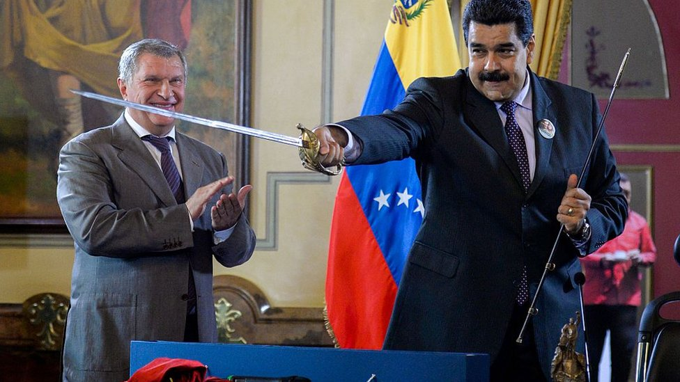 Igor Sechin y Nicolás Maduro.