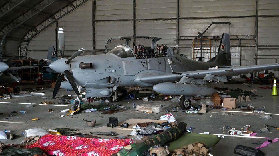 طائرة من طراز إيه- 29