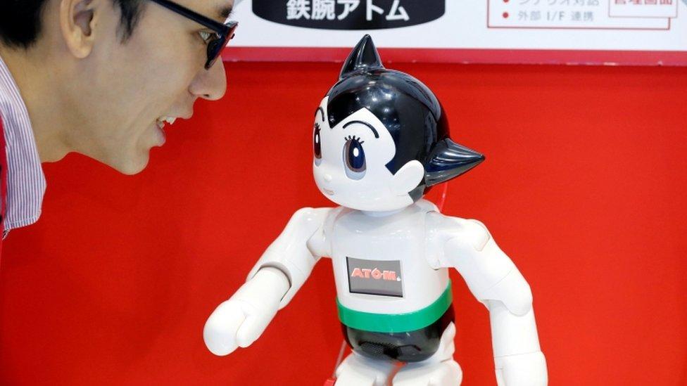 鐵臂阿童木機器人 2018年東京世界機器人峰會上以卡通人物阿童木為原型的機器人