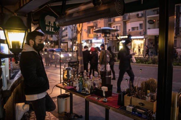 محل لبيع المشروبات الكحولية في تركيا