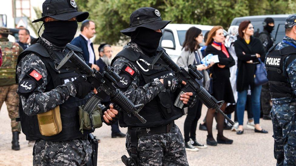 تشكيلات أمنية وعسكرية تنتشر في جربة