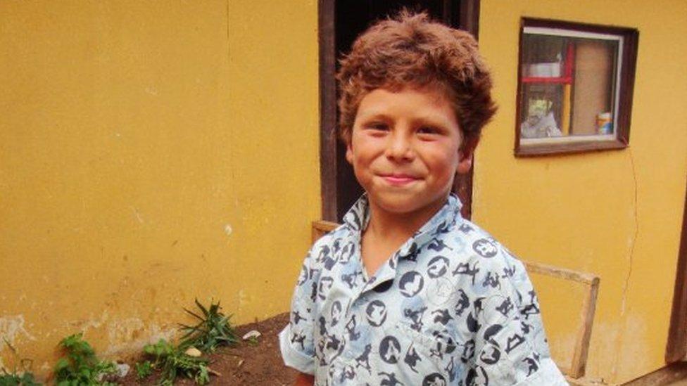 Joaquín cuando cumplió los 8 años, días antes del tsunami.