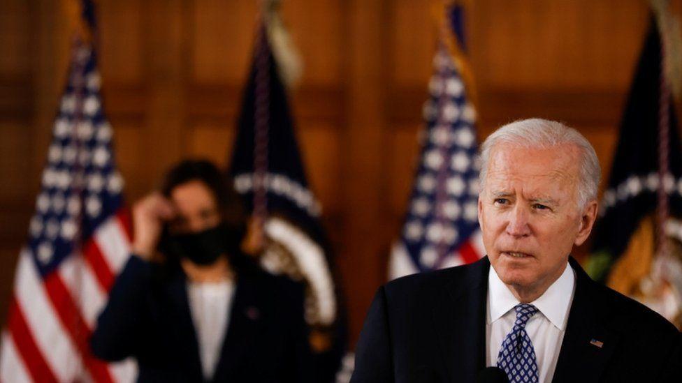 美國總統拜登周五(3月19日)訪問該州,譴責美國反亞裔暴力的增加,並呼籲所有美國人團結對抗仇恨。