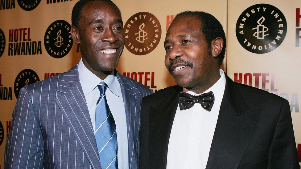 Don Cheadle y Paul Rusesabagina.