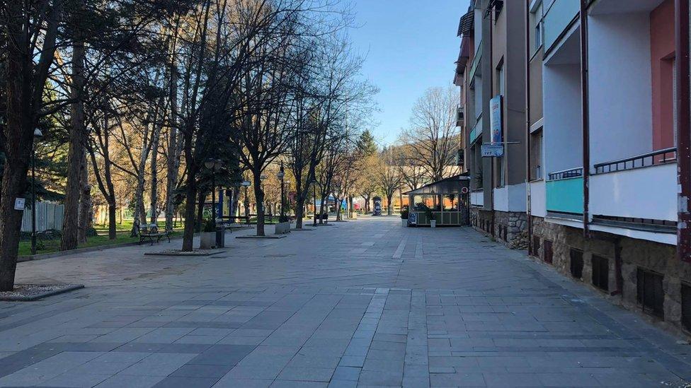 Prazan Širok sokak u Bitolju