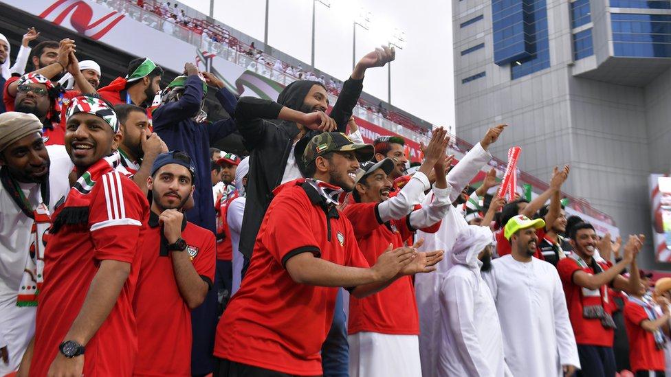 منتخب قطر يلعب في الإمارات دون مشجعين بسبب المقاطعة المفروضة على الدوحة