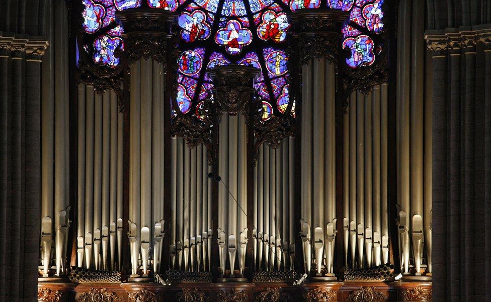 Büyük kilise orgu
