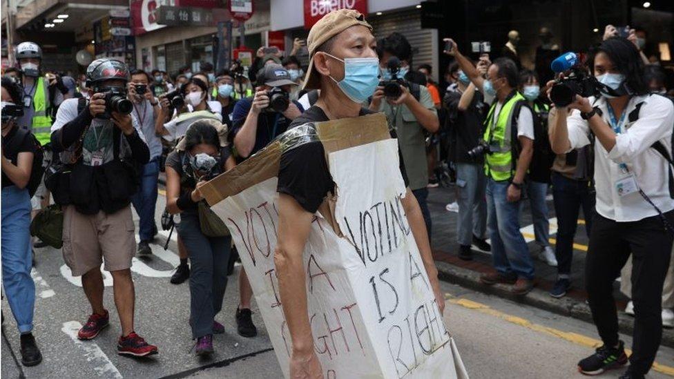 9月6日,香港九龍區爆發示威,要求重啟立法會選舉。
