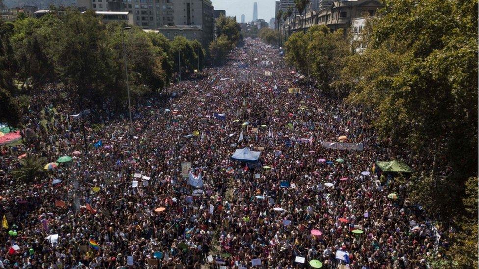 Marcha de mujeres en Chile.
