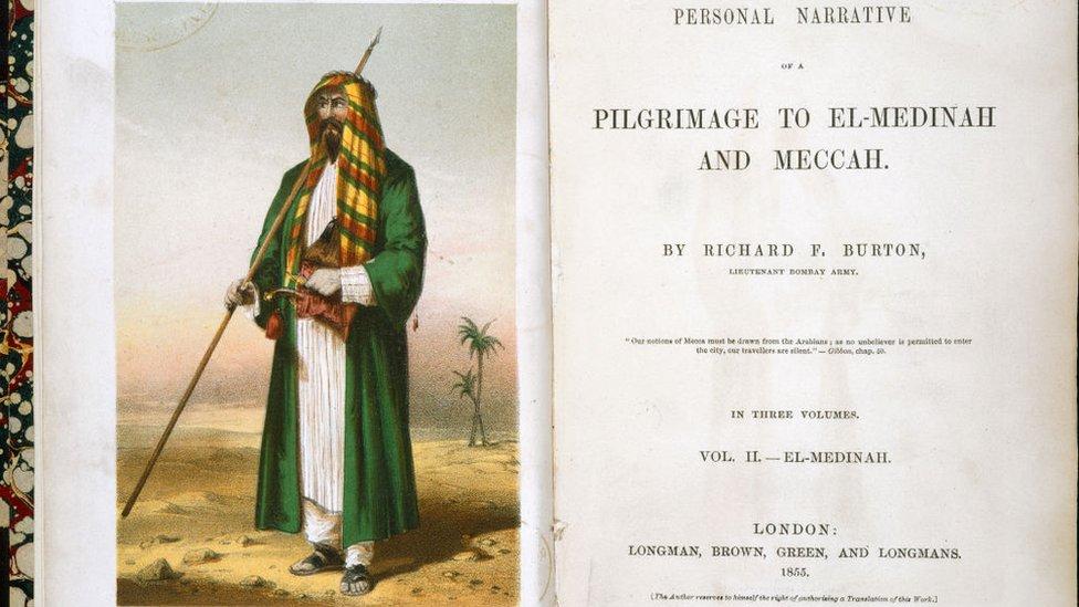 Portret Bёrtona v kostюme šeйha Abdula na titulьnom liste pervogo izdaniя o putešestvii v Mekku i Medinu.
