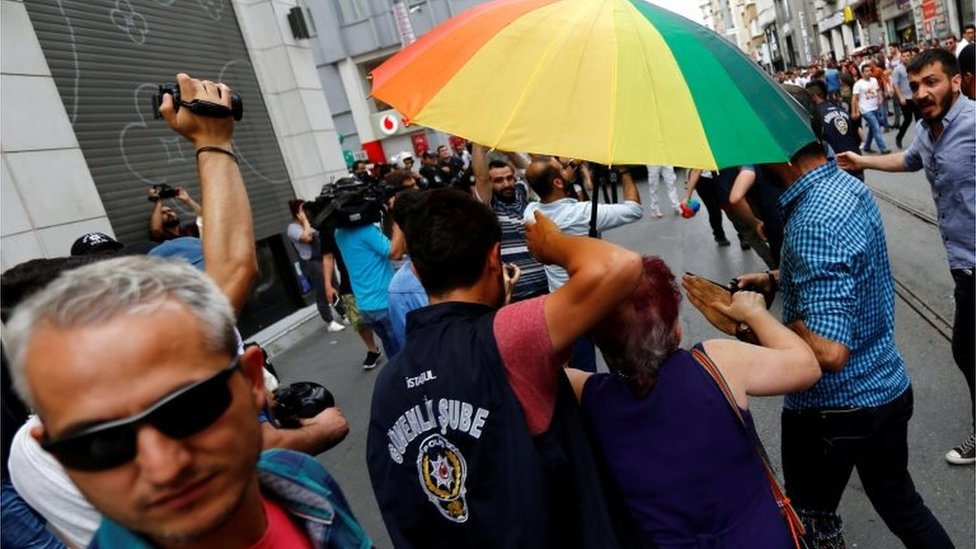 Plainclothes police detain LGBT rights activists as they try to gather for a parade banned by Istanbul authorities 26/06/2016