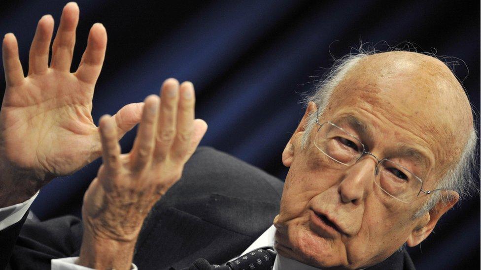 От коронавируса умер бывший президент Франции Валери Жискар д'Эстен, поборник ЕС, создатель G7 и друг Москвы