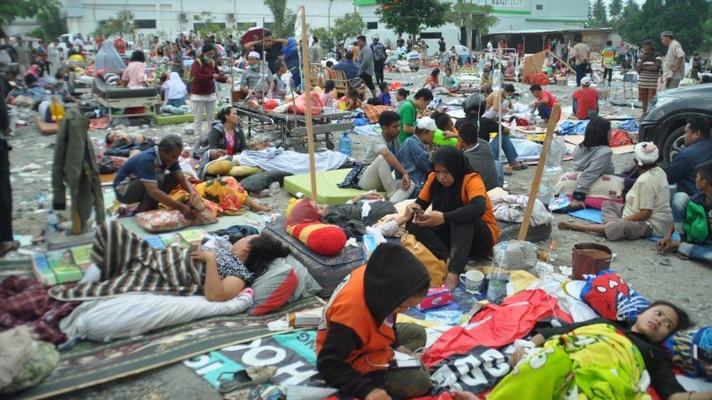 因為餘震不斷,帕魯市民都在街上露宿