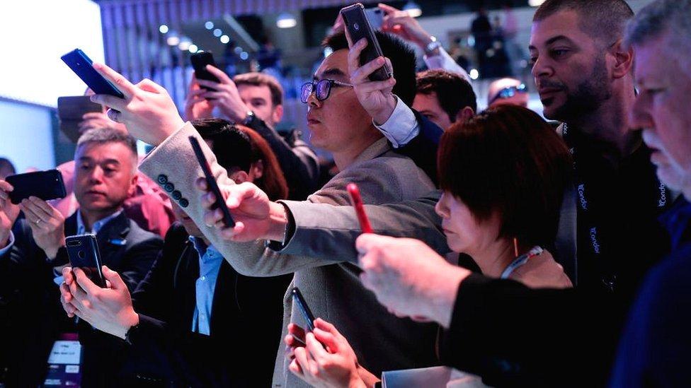 El Mobile World Congress de Barcelona atrae a alrededor de 100.000 personas cada año.