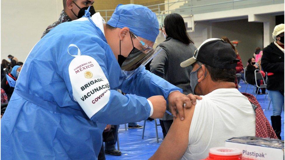 Vacuna en México.
