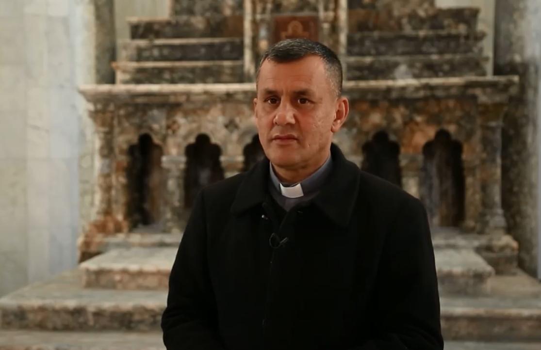 الأب عمار ياكو مسؤول كنيسة الطاهرة الكبرى
