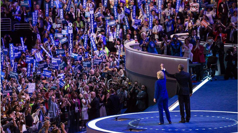 Tadašnji predsednik Barak Obama i Hilari Klinton na Demokratskoj nacionalnoj konvenciji 2016. godine
