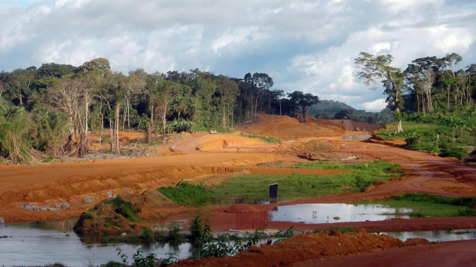 Construction site of a road near the new city of Djibloho. 26 Oct 2011