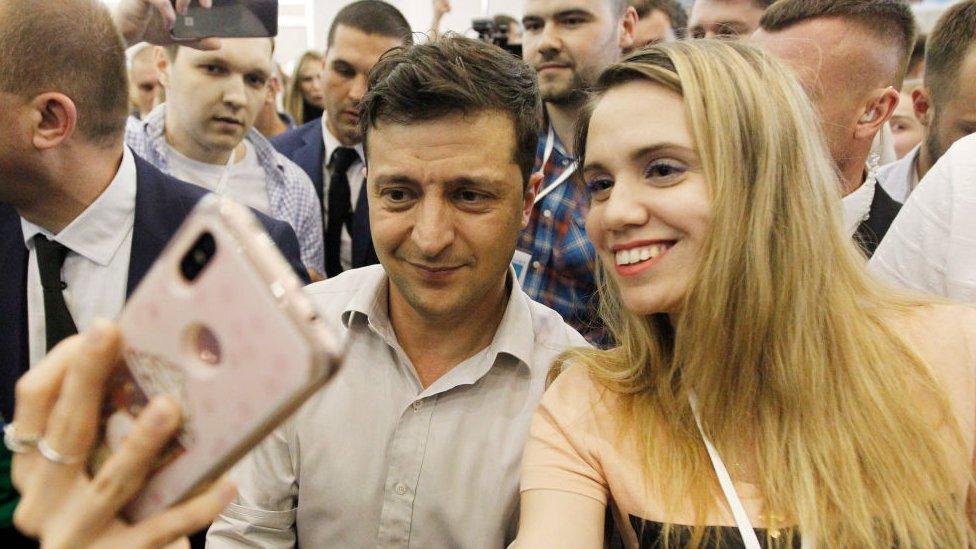 Битва петицій: як українці підписуються за і проти Зеленського