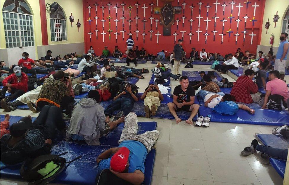 Migrantes en el albergue de Tenosique.